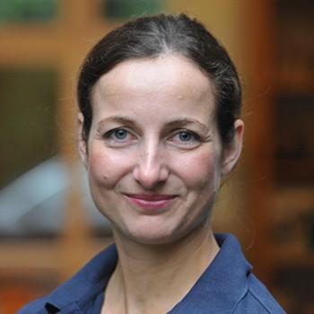Dr. Eva Nerbas