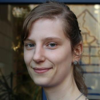 Nadine Klare